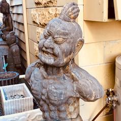 Stone guardian statue - King Kong