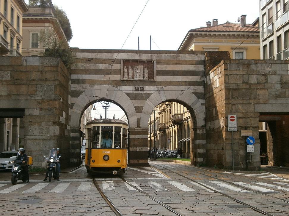Antica_Porta_Nuova_-_Milano.jpg