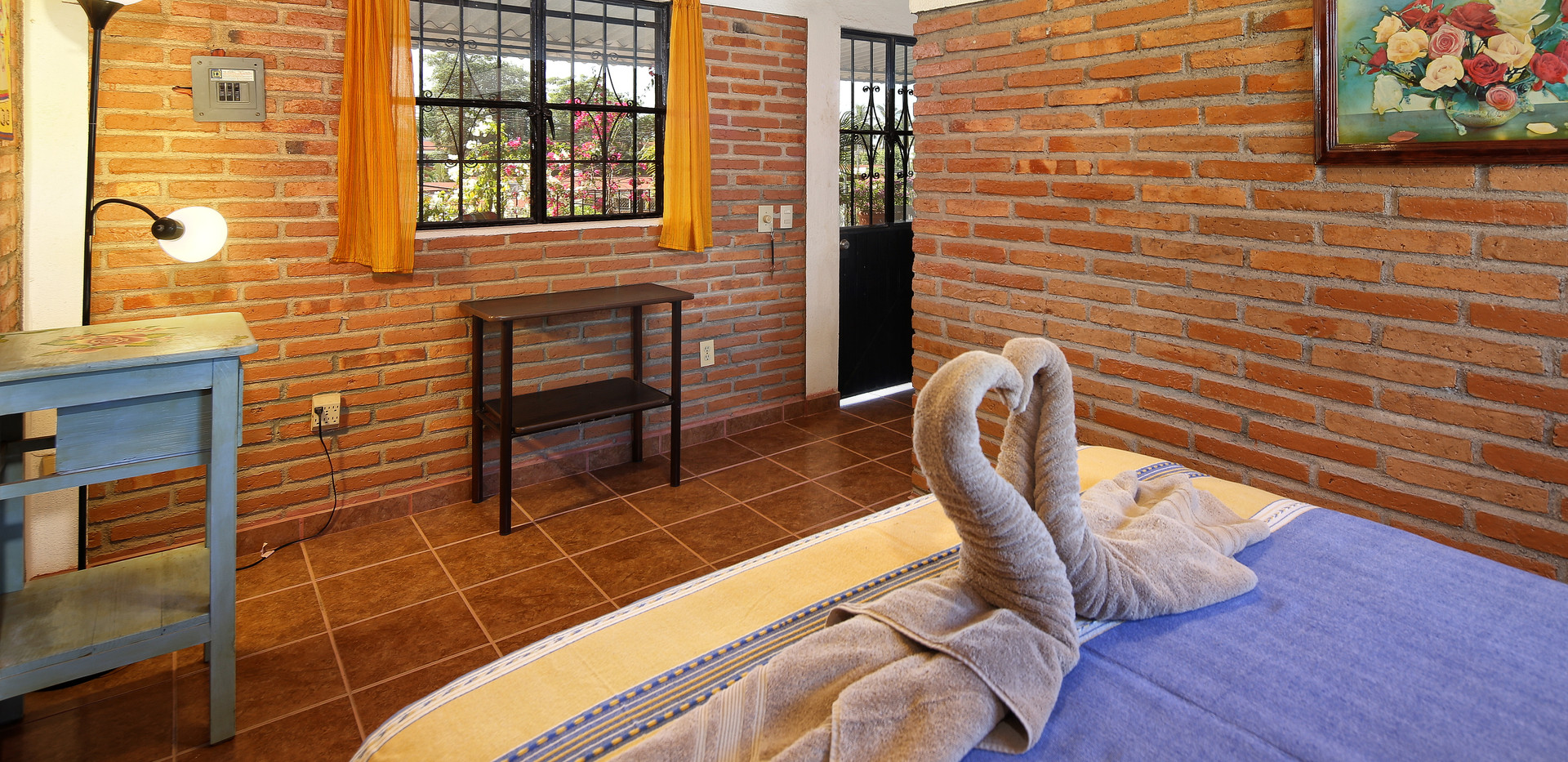 sonrisas bedroom 2.jpg