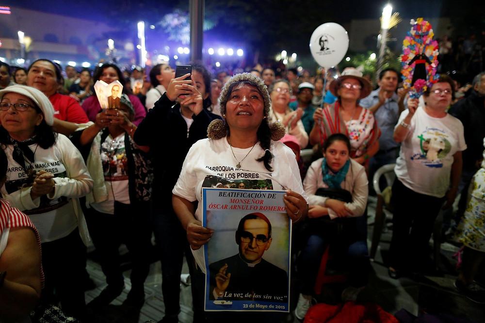 Papa canoniza Oscar Romero de El Salvador e Paulo VI