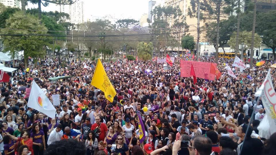Curitiba tem a maior manifestação política da eleição de 2018