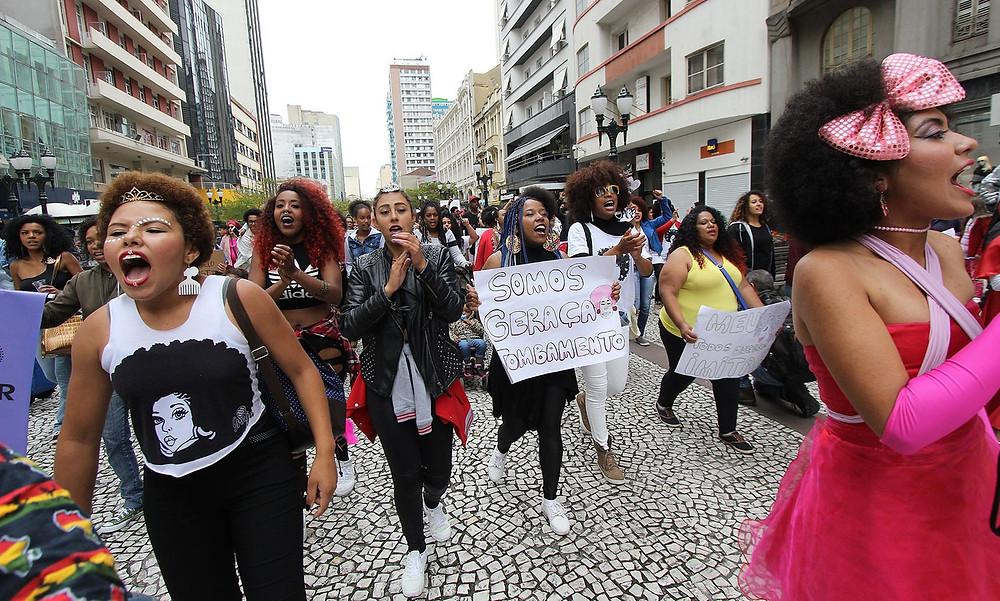 """Curitiba recebe """"Marcha do Orgulho Crespo"""" no Mês da Consciência Negra"""