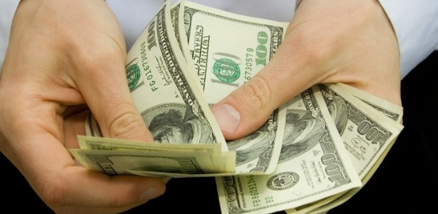Resultado da eleição provoca forte queda do dólar