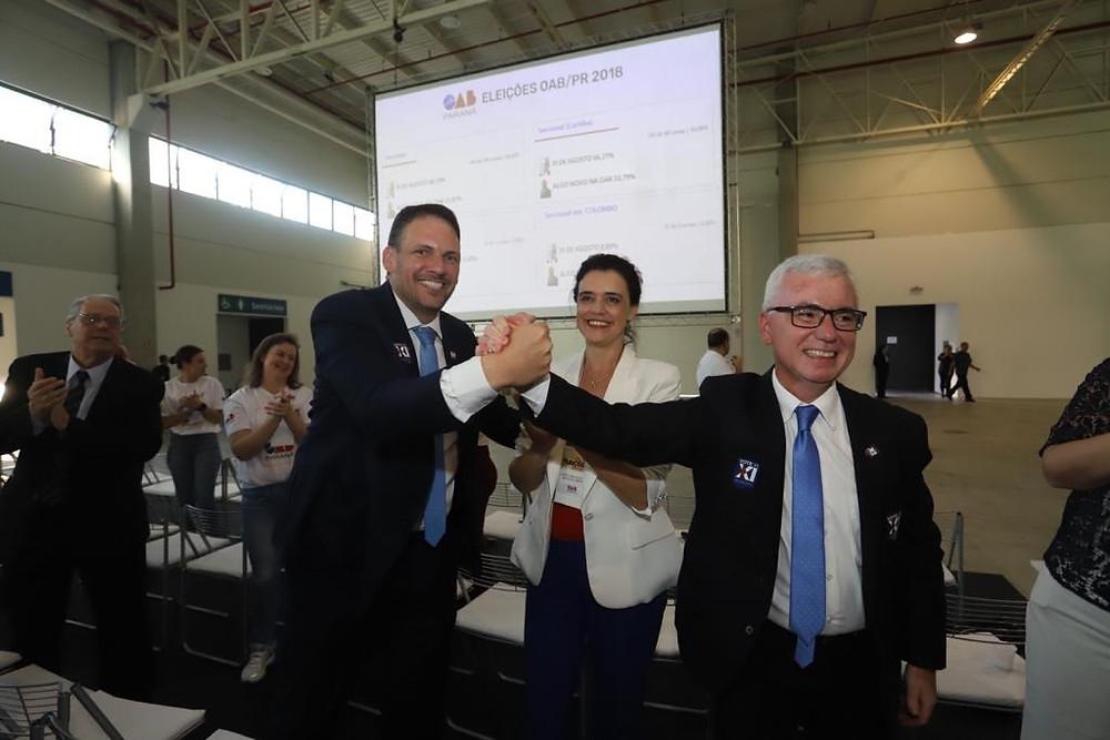 Cássio Telles vence as eleições na OAB do Paraná