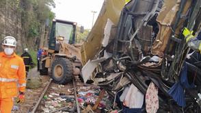 Acidente de ônibus deixa 18 mortos em Minas Gerais