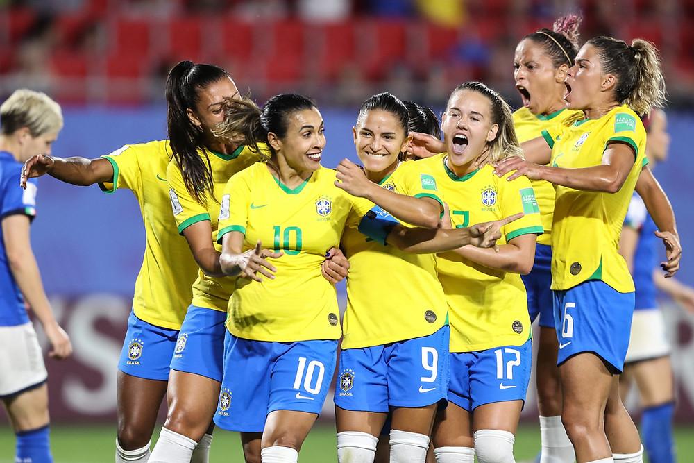 Seleção Feminina enfrenta a França nas oitavas da Copa