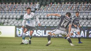 Coritiba perde em casa para o Corinthians
