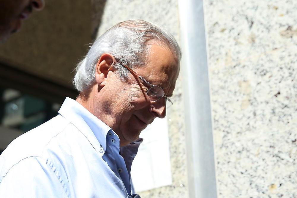 Justiça decide que José Dirceu deve voltar à prisão