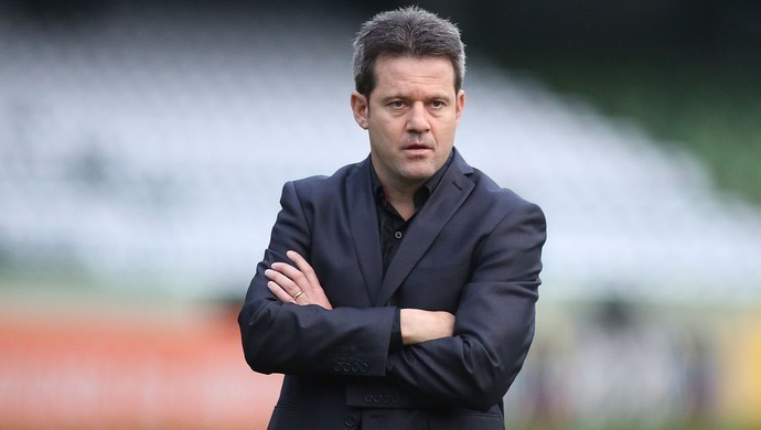 Argel Fucks é o novo treinador do Coxa