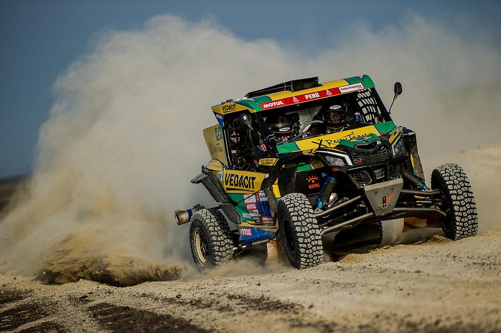 Brasileiros completam etapa do Rally Dakar no top-10