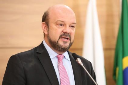 Reitor da UFPR agradece manifestações de apoio