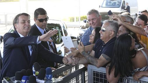 """""""Se Deus quiser, vou continuar meu mandato"""", diz Bolsonaro"""