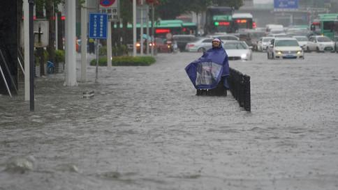 Pior chuva em mil anos deixa pelo menos 25 mortos na China