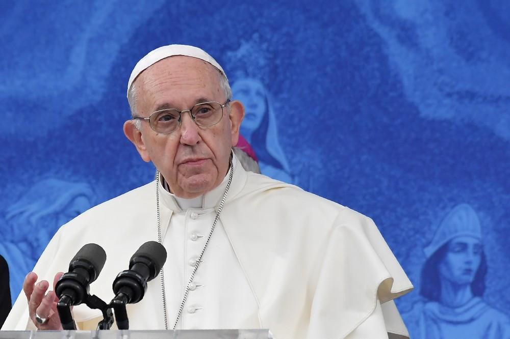 Papa convoca bispos para debater abuso sexual