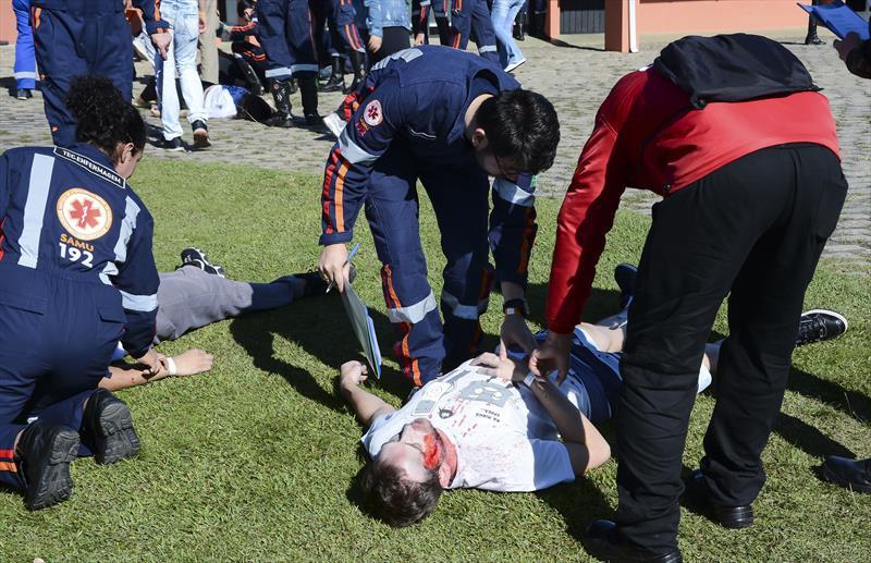 Samu simula acidente e mobiliza 400 pessoas no Parque Barigui