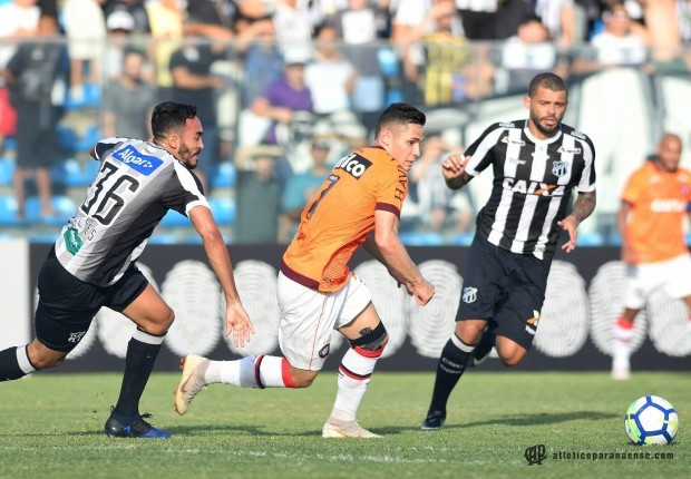 Ceará e Atlético-PR ficam no 0 a 0