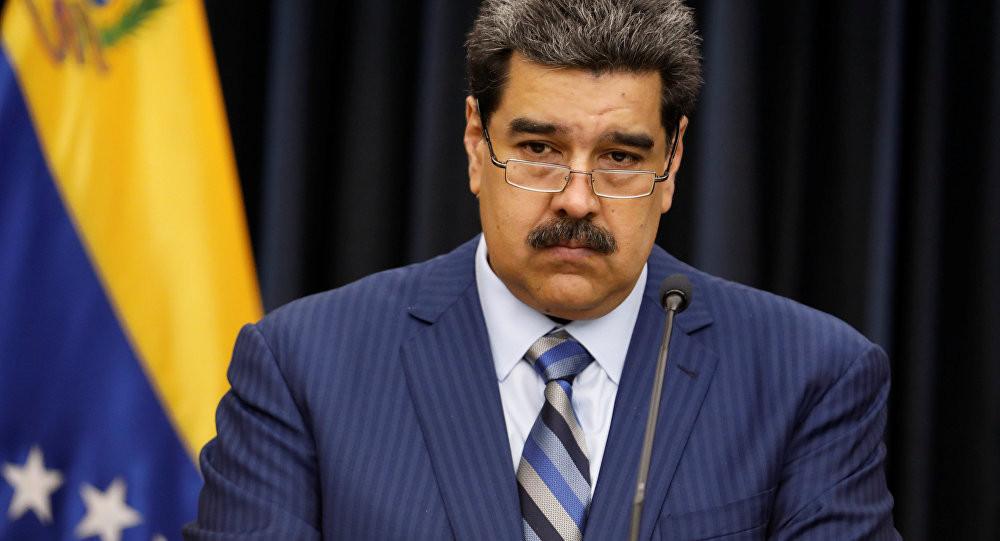 Parlamento da Venezuela rejeita legitimidade de Maduro