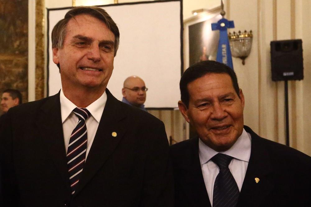 Vice de Bolsonaro liga índio à indolência e negro à malandragem