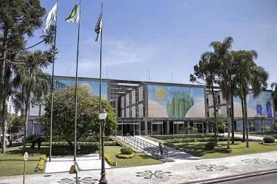 Prefeitura de Curitiba anuncia concurso com 134 vagas