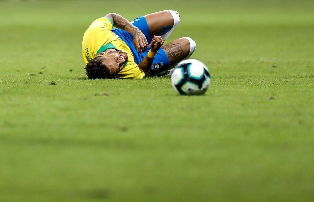 Tite tem até o dia 13 para definir substituto de Neymar