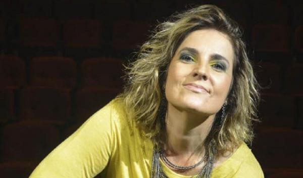 Isabella Taviani comemora 15 anos de carreira no Paiol
