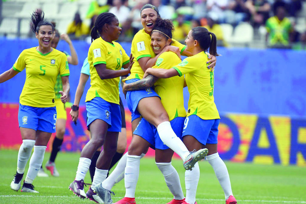 Brasil bate a Jamaica na estreia da Copa Feminina