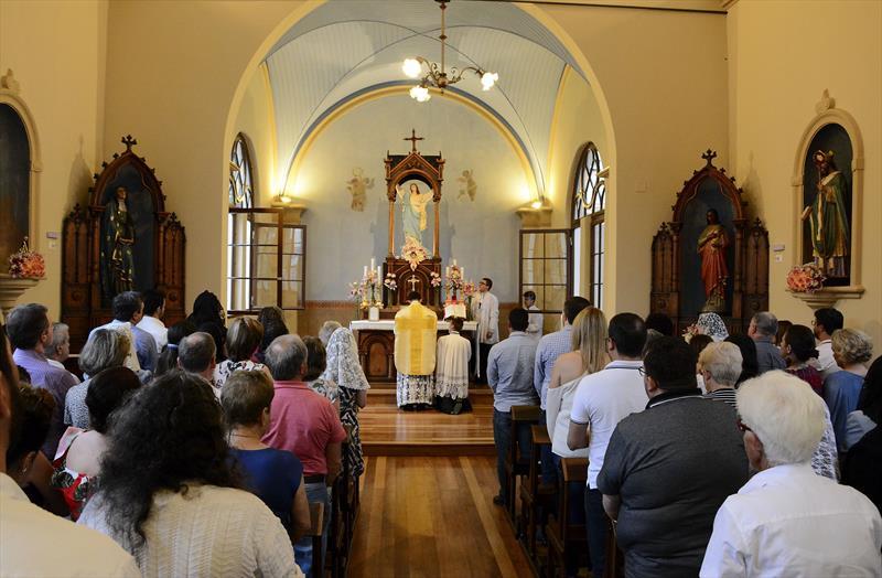 Capela da Glória restaurada recebe Missa do Galo
