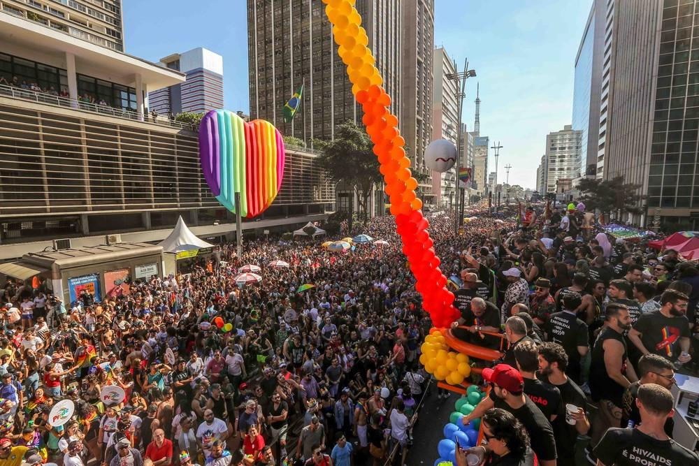 Parada do Orgulho LGBT reúne 3 milhões em São Paulo