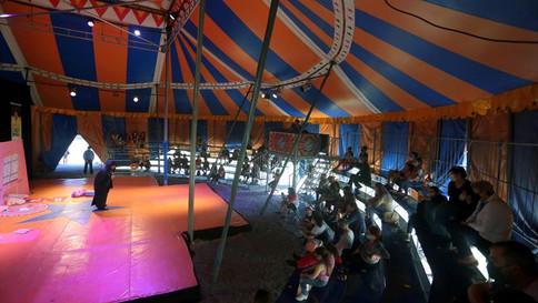 Festival de circo reúne famílias do Bigorrilho ao Sítio Cercado