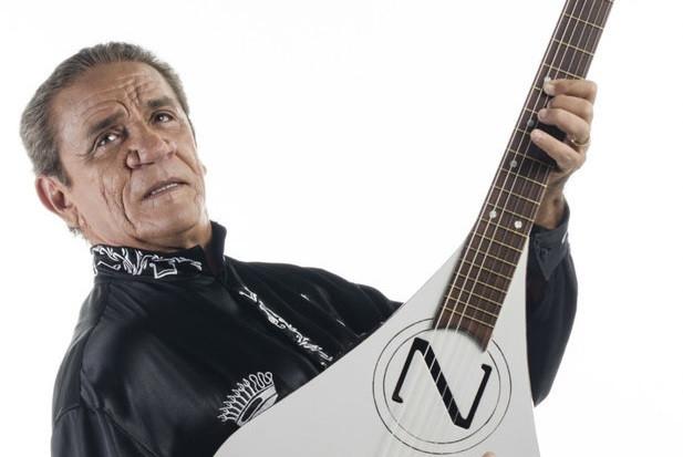 Zé Ramalho faz show de 40 anos de carreira em Curitiba