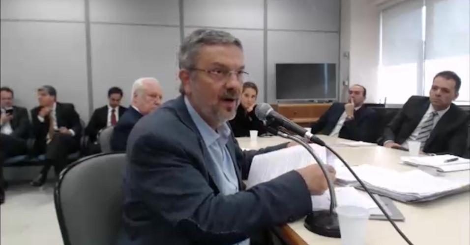 Palocci deixa prisão em Curitiba