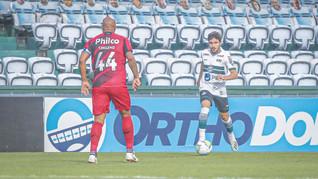 Athletico e Coxa se enfrentam na Arena da Baixada