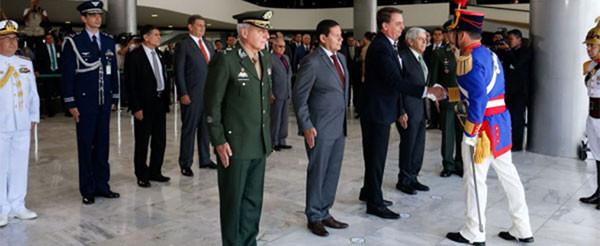 Militares estão em 21 áreas do governo federal