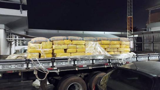 Polícia apreende 4 toneladas de maconha em Umuarama
