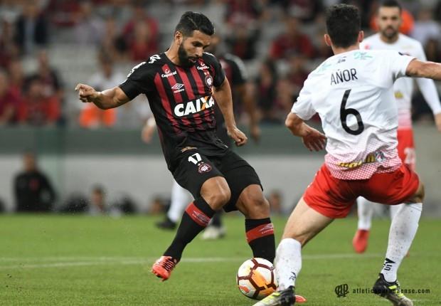 Atlético passa fácil pelo Caracas e está nas quartas