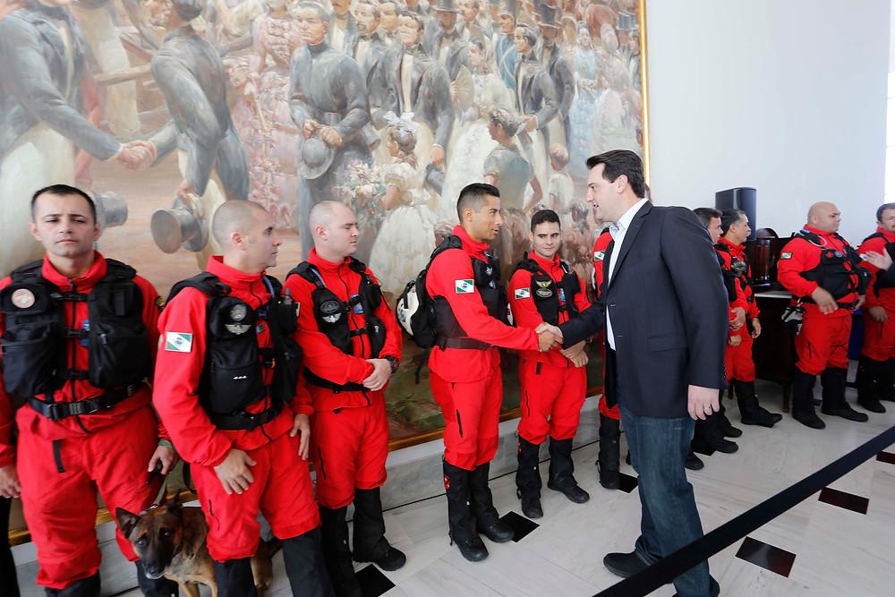 Bombeiros que foram a Brumadinho são homenageados