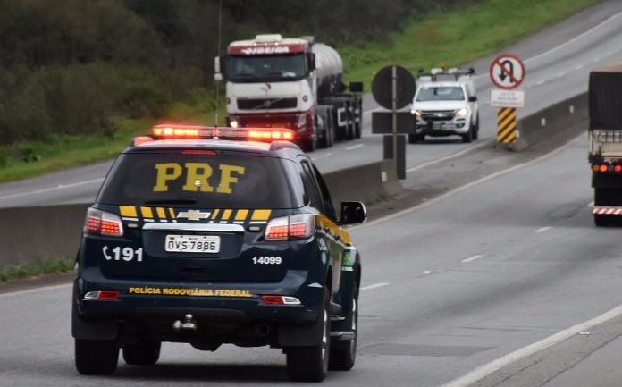 Dois acidentes com motos deixam três mortos