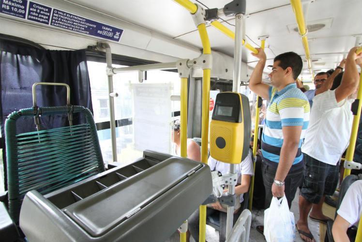 Motoristas e cobradores de Curitiba podem votar greve na quinta-feira