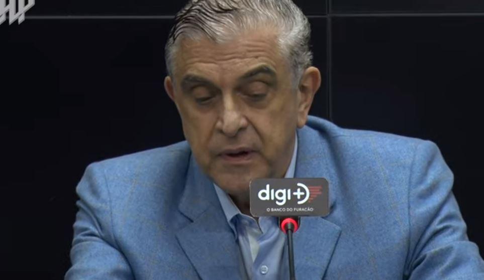 Petraglia isenta jogadores do Athletico de doping