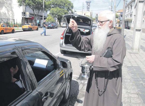 Bênção deve atrair 13 mil veículos à Igreja dos Capuchinhos