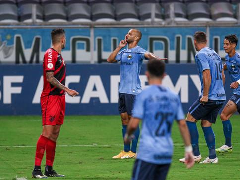 Athletico perde para o Grêmio e está fora da Libertadores