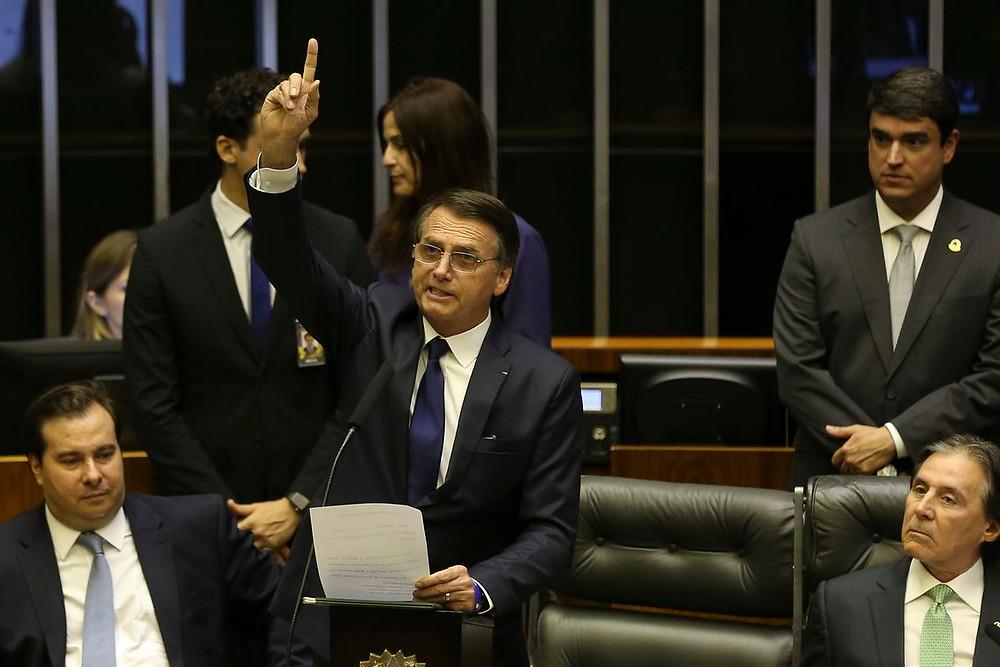 Bolsonaro define valor do salário mínimo em R$ 998