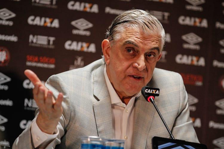 Petraglia diz que vai mudar o nome do Atlético