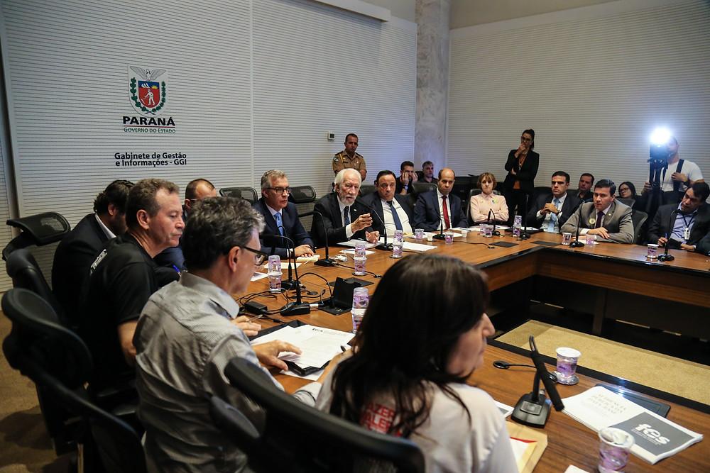 Governo cria comissão para debater reajuste dos servidores