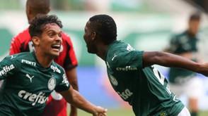 Athletico desfalcado perde fácil do Palmeiras