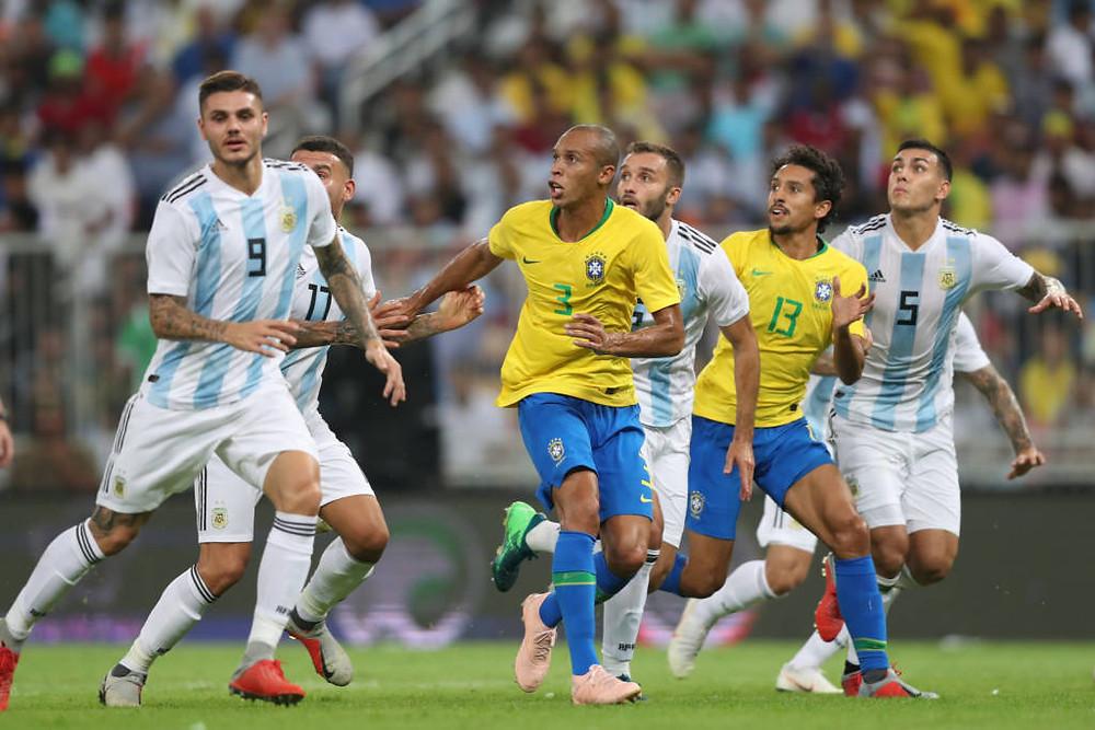 Brasil vence clássico com Argentina com gol no final