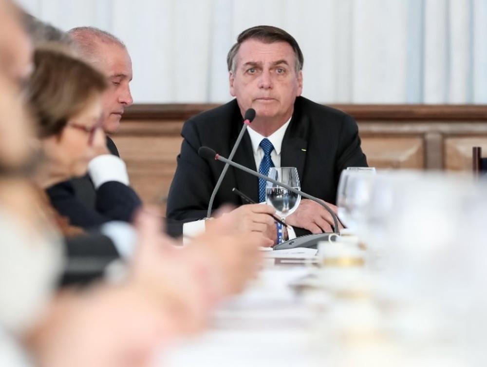 Bolsonaro cancela viagem que faria a Nova York