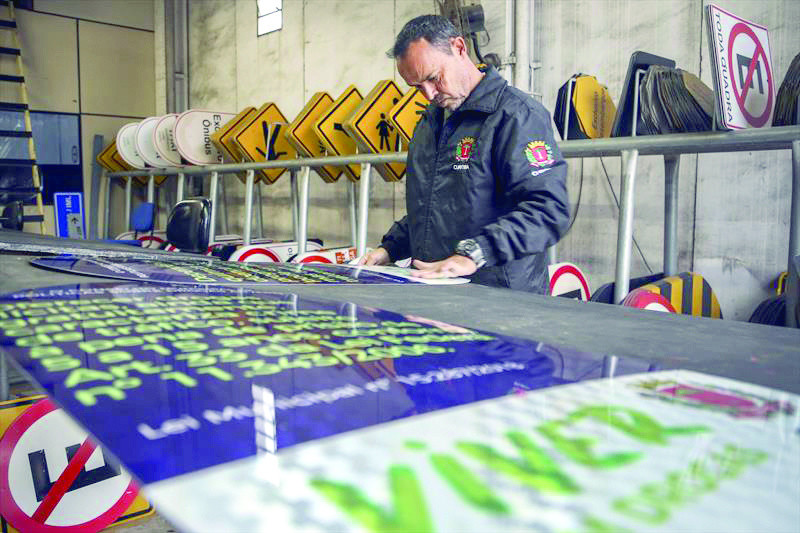 Curitiba recebe placas sobre o risco das drogas