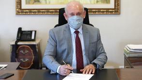 Traiano promulga isenção de ICMS para remédio mais caro do mundo