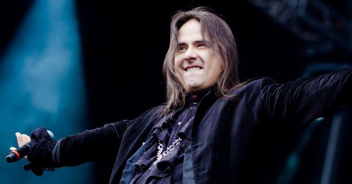 André Matos, fundador da banda Angra, morre aos 47 anos